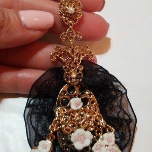 Jewelry - Baroque style chandelier Earrings
